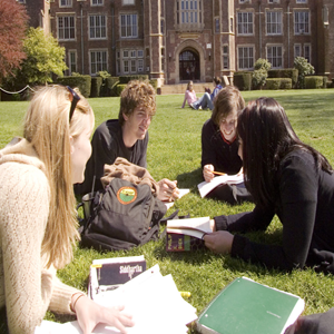 Scholieren maken film over loverboys