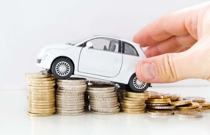 Welke variabelen bepalen de dagwaarde van een auto?