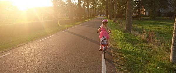 Niet ongevaarlijk: brugklassers op de fiets naar school