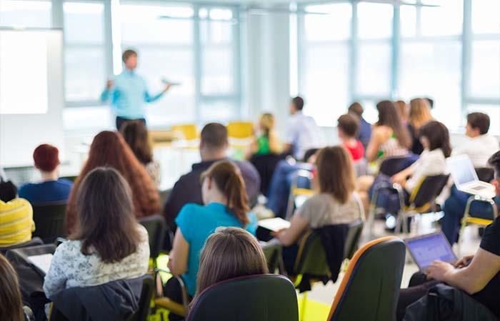 Centrale coördinatie en betere informatie kunnen gelijke toegang tot school bevorderen