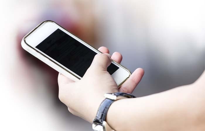 Kinderen leren omgaan met een smartphone