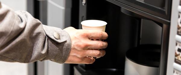 Koffiebekers inkopen voor middelbare school of ROC