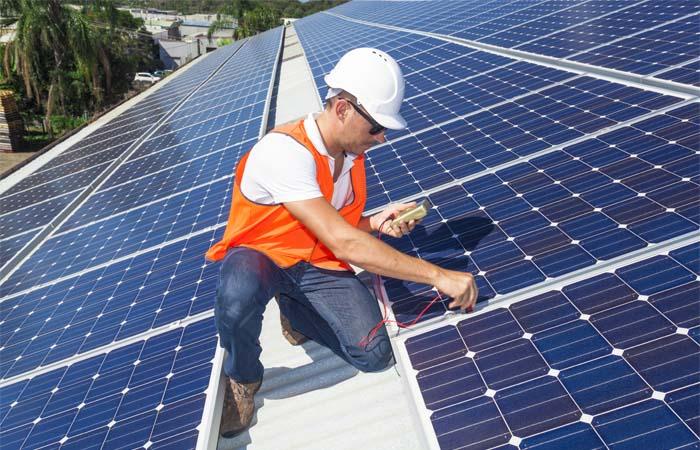 Meer zonnepanelen op schooldaken in Noord-Holland