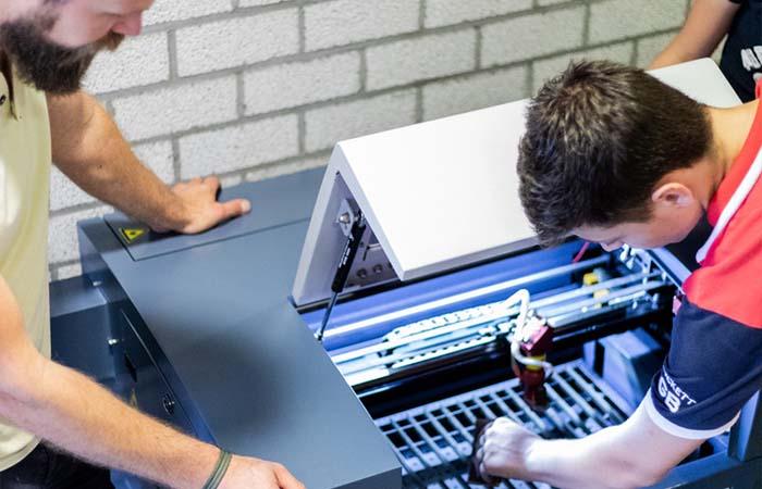 Meerwaarde van het gebruik van laser machines in het onderwijs