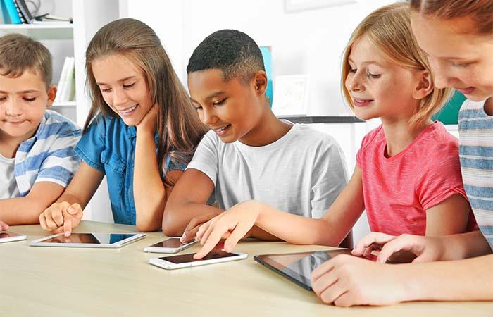Op welke leeftijd geef je je kind een smartphone?